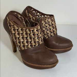 Ugg Brown Leather Heels Size W9